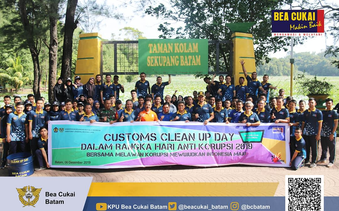 Clean Up Day Bea Cukai Batam