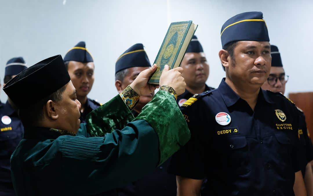 Pelantikan 8 Pegawai Bea Cukai Batam,Tetap Jaga Amanah